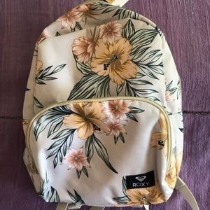 🌊🌊Roxy backpack NWT floral surfer girl🌊🌊